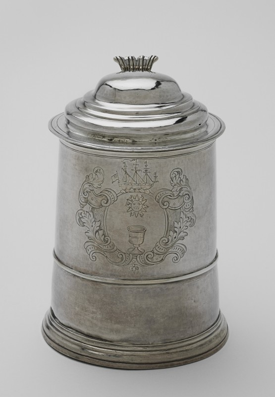ca. 1729, silver vessel, 17.2 x 11.9 cm. Harvard Art Museums/Fogg Museum, Loan from Harvard University (873.1927).