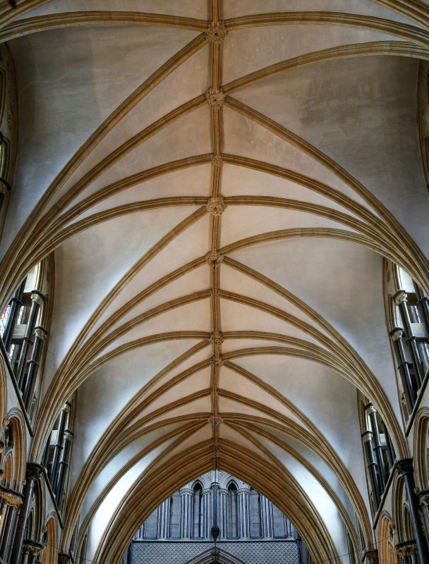 <i>vault over St Hugh's choir</i>.