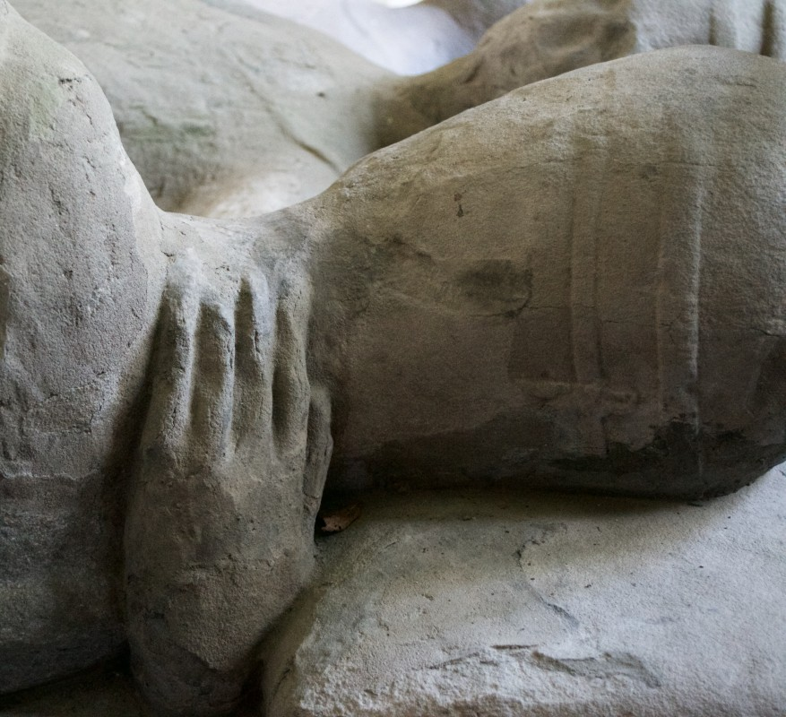 detail showing the effigies' embrace across the shoulders, Chapter house, Inchmahome Priory, ca. 1281–96, sandstone, height: 217 cm, width: 89 cm (at feet of effigies), 228 cm (at heads of effigies).